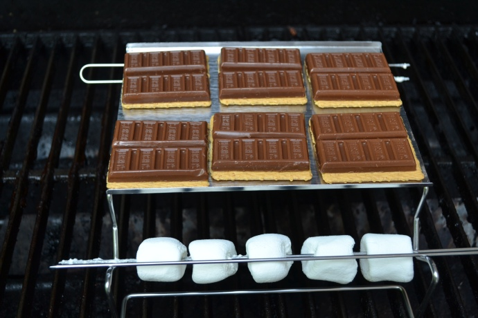 Grill-top Smore Maker